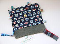 Knistertücher - großes Knistertuch mit Bus, Käfer, Auto mit Fleece - ein Designerstück von traumgenaeht bei DaWanda