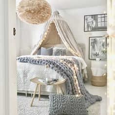 Teenage girl bedrooms decor Impressive bedroom decor tips for a comfy and dreamy bedroom ideas for teen girls dream rooms Teen girl room idea shared on 20181126 Teen Bedroom Designs, Bedroom Styles, Girls Bedroom, Trendy Bedroom, Bohemian Bedrooms, Bedroom Design For Teen Girls, Bohemian Curtains, Bedroom Sets, Country Teen Bedroom