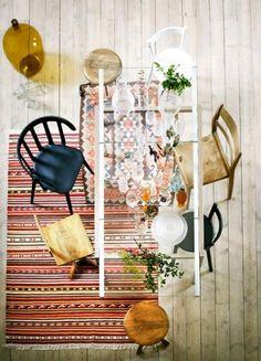 Bunter Stuhl-Mix statt strenger Ordnung