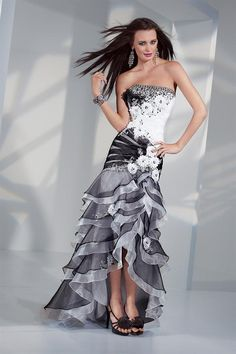 This is a beautiful prom dress! I love the black and white together!