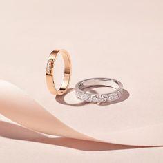 Chaumet: A Liens jewel for all seasons - Frauen lieben Schmuck :) Jewelry Ads, Photo Jewelry, Jewelry Branding, Jewelry Rings, Fashion Rings, Fashion Jewelry, Blue Nile Jewelry, Photographing Jewelry, Chaumet
