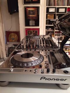 DJ Trevor Nelson's home set-up...