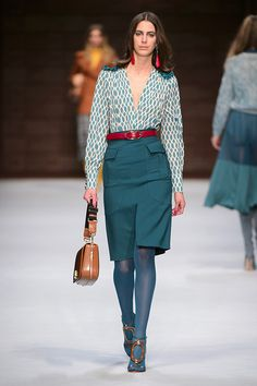 Elisabetta Franchi Milano - Spring Summer 2018 Ready-To-Wear - Shows - Vogue. Work Fashion, Runway Fashion, Fashion Show, Fashion Outfits, Womens Fashion, Fashion Design, Milan Fashion, Street Fashion, Jw Moda