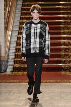 Pringle of Scotland Fall/Winter 2016/17 - London Collections: MEN - Male Fashion Trends
