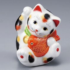 Japanese Lucky Cat Kutani Porcelain Maneki Neko calico cat hold fish H11.5cm