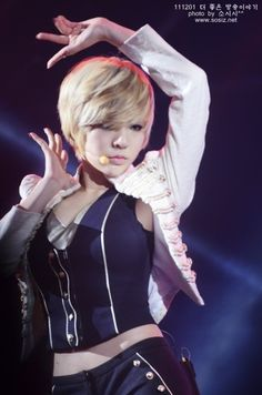 Girl's Generation: Sunny --- performing 'The Boys' #awesomehair #sexystare #hot