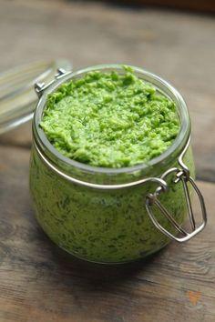 Паста из зеленого чеснока.