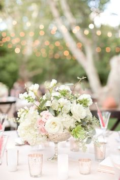Beautiful wedding centerpiece | white and rose gold wedding table