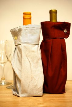 2 Upcycled Men's Dress Shirt Wine Sleeve Gift Bags, reciclando las mangas de camisa