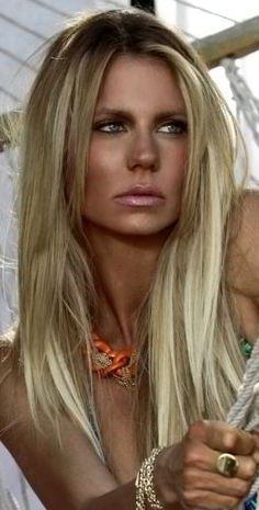 Light Blonde / cool blonde / long / summer / highlights / hair color / balayage / shiny / sleek / straight