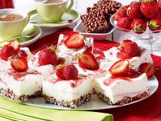 Unser beliebtes Rezept für Nippon-Kuchen mit Joghurtcreme und Erdbeeren und mehr als 55.000 weitere kostenlose Rezepte auf LECKER.de.