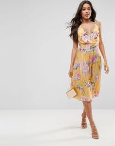 Discover midi dresses with ASOS. A collection of printed midi dresses and midi tea dresses to suit every style & occasion. Best Wedding Guest Dresses, Wedding Guest Style, Buy Dress, Bridesmaid Dresses, Bridesmaids, Fall Outfits, Summer Dresses, Clothes For Women, Dress Ideas