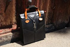 Leather bag man- Desing Ludena. Leather handbag and shoulder bag for man, Computer bag, folders, ect. Elegant bag for each day.