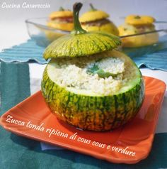Zucchine tonde ripiene di cous cous e verdure ricetta primi piatti semplice e gustosa da preparare anche per amici vegetariani/vegani con verdure a piacere