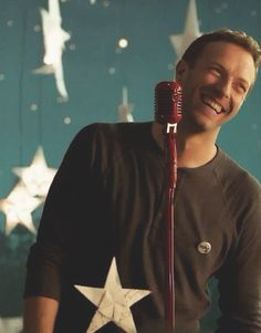 'cause you're a sky full of stars' Chris Martin -Coldplay- Look At The Stars, Sky Full Of Stars, Music Is Life, My Music, Cool Bands, Great Bands, Beautiful World Lyrics, Groupe Pop Rock, Chris Martin Coldplay