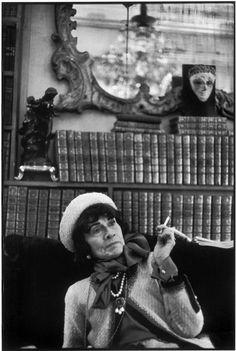 Portrait of Coco Chanel By Henri Cartier~Bresson via mahala Magnum Photos, Coco Chanel, Chanel Paris, Candid Photography, Street Photography, Urban Photography, Color Photography, Photography Ideas, Henri Cartier Bresson Photos