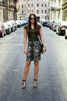 Tydzień na blogach  fashionbymonika  Pazur, kobieta i dodatki. Całość prosta, oryginalna, szlachetna. Dziewczę piękne i obdarzone dobrym gustem. Czego chcieć więcej?  Więcej na Moda Cafe!