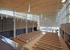 Iglesia Bøler / Hansen-Bjørndal Arkitekter AS,© Nils Petter Dale Sacred Architecture, Church Architecture, Religious Architecture, Architecture Details, Modern Architecture, Church Interior Design, Church Design, Temples, Halle