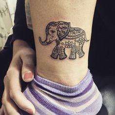 Cute Vectorial Tiny Elephant Tattoo Designs (1)