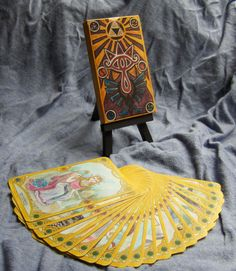 Hey, I found this really awesome Etsy listing at https://www.etsy.com/listing/191298508/the-legend-of-zelda-tarot-card-deck