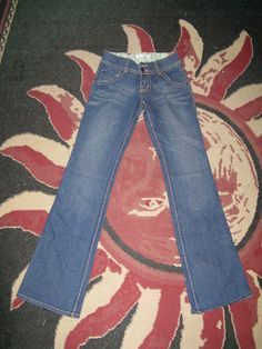 Recycle Jeans with no waste...or very little waste Picture of Materials
