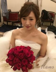 可愛い花嫁さまのMaria Elenaとルーズシニヨン♡♡ | 大人可愛いブライダルヘアメイク 『tiamo』 の結婚カタログ Wedding Styles, Wedding Photos, Hair Arrange, Wedding Costumes, Bridal Looks, Bridal Hair, One Shoulder Wedding Dress, Wedding Hairstyles, Hair Beauty