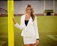 Kristen Ledlow - The 25 Hottest Sideline Reporters Right Now | Complex