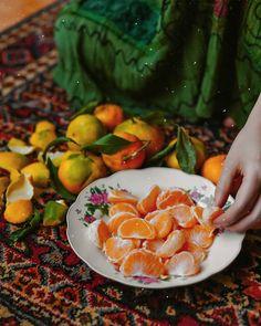 Iranian Cuisine, Iranian Food, Fruit Photography, Portrait Photography, Persian Decor, Persian Girls, Book Flowers, Persian Culture, Iranian Art