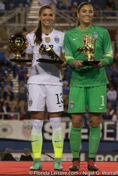 Alex Morgan & Hope Solo Congrats to the both of them! You deserved it😃 Football Players Images, Female Football Player, Usa Soccer Team, Soccer League, Nike Soccer, Soccer Cleats, Team Usa, Hope Solo, Soccer Motivation