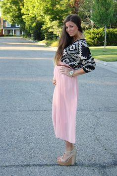 cute maternity outfit this would be a cute outfit not preggo too.. HAHA:) LOVE IT