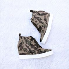 ///Booties Booties/// ---Rocking Everywhere 🙌 Cutest Camo Sneakers Wedges Now In Stock xoxo . Apricot Lane, Wedge Sneakers, Minnesota, Camo, Wedges, Booty, Shoes, Camouflage, Swag