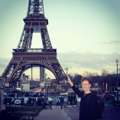 An idea for my picture with the Eiffel Tower