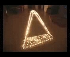 These candles. | 19 Mind Bending Illusions That Won't Make Sense The First Time