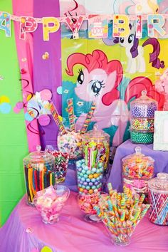 My little pony candy bar My Little Pony Birthday Party, 5th Birthday Party Ideas, Unicorn Birthday Parties, Birthday Party Decorations, Unicorn Party, 3rd Birthday, Cumple My Little Pony, Rainbow Dash Party, Candy Bar Party
