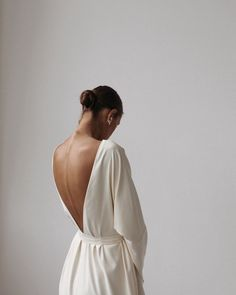open back dress Mode Inspiration, Bridal Looks, Looking For Women, Fasion, Bridal Dresses, Fashion Looks, Vogue, Elegant, Stylish