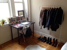 Perfect for a smaller space – if you don't have enough closet space for your shoes & jackets, this is the perf solution!