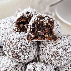 The Perfect Newfoundland Snowballs Recipe - just like Nan made! Rock Recipes, Candy Recipes, Holiday Recipes, Cookie Recipes, Dessert Recipes, Fudge Recipes, Christmas Recipes, Sweet Recipes, Holiday Ideas