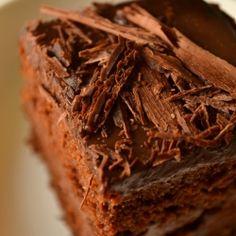 Vegan chocolate cake by kurryleaves