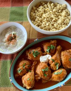 Hungarian Cucumber Salad, Hungarian Paprika, Paprika Sauce, Sour Cream, Love Food, Curry, Dishes, Chicken