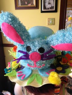 easter bonnet Cute Crafts, Diy And Crafts, Crafts For Kids, Arts And Crafts, Spring Crafts, Holiday Crafts, Easter Hat Parade, Easter Bunny, Easter Bonnets
