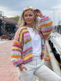 Pink Cardigan, Crochet Cardigan, Knit Crochet, Knitting Designs, Knitting Patterns, Hippie Look, Mohair Yarn, Knit Fashion, Diy Clothes