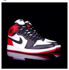 super cute af6cf 42a23 Old school air Jordan s Michael Jordan Shoes, Nike Air Jordans, Sneakers Nike  Jordan,