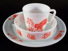 Vintage Pyrex baby feeding set with plate, bowl and cup.