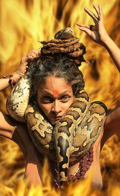 India Naga and aghori sadhvi Photography India Sadhus India, Ride Drawing, Shri Ram Wallpaper, Aghori Shiva, Shiva Tattoo Design, Apocalypse Art, Ariana Grande Drawings, Mahakal Shiva, Lord Shiva Hd Images
