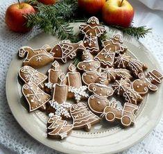 Best Gingerbread Cookies, Christmas Gingerbread, Christmas Candy, Christmas Baking, Sugar Plums Dancing, Biscuits, Ginger Cookies, Cookie Designs, Holiday Cookies