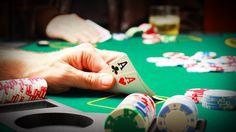 Tìm hiểu về thủ thuật bắt bài đối thủ khi chơi trò chơi Poker - Tai game mien phi - Game Mobile