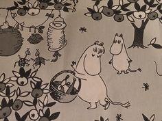 JUHLAMUUMI Tove Jansson 100 years Moomin cotton fabric  Party Moomin grey tillukka