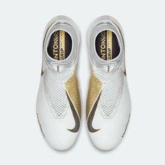 #NikePhantom VSN Gold! 👑 Jedynie 1000 par oznaczonych unikalnym numerem! 👀 R-GOL.com #ZnamySięZPiłki ⚽️