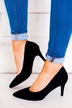 8192af8bea2 Black Pumps. Black Closed Toe HeelsClosed ...