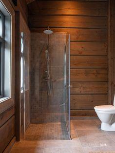 Nyoppført lekker hytte med flott og attraktiv beliggenhet. | FINN.no Log Homes, Bathtub, Real Estate, Cabin, Deco, Bathroom, House, Inspiration, Future